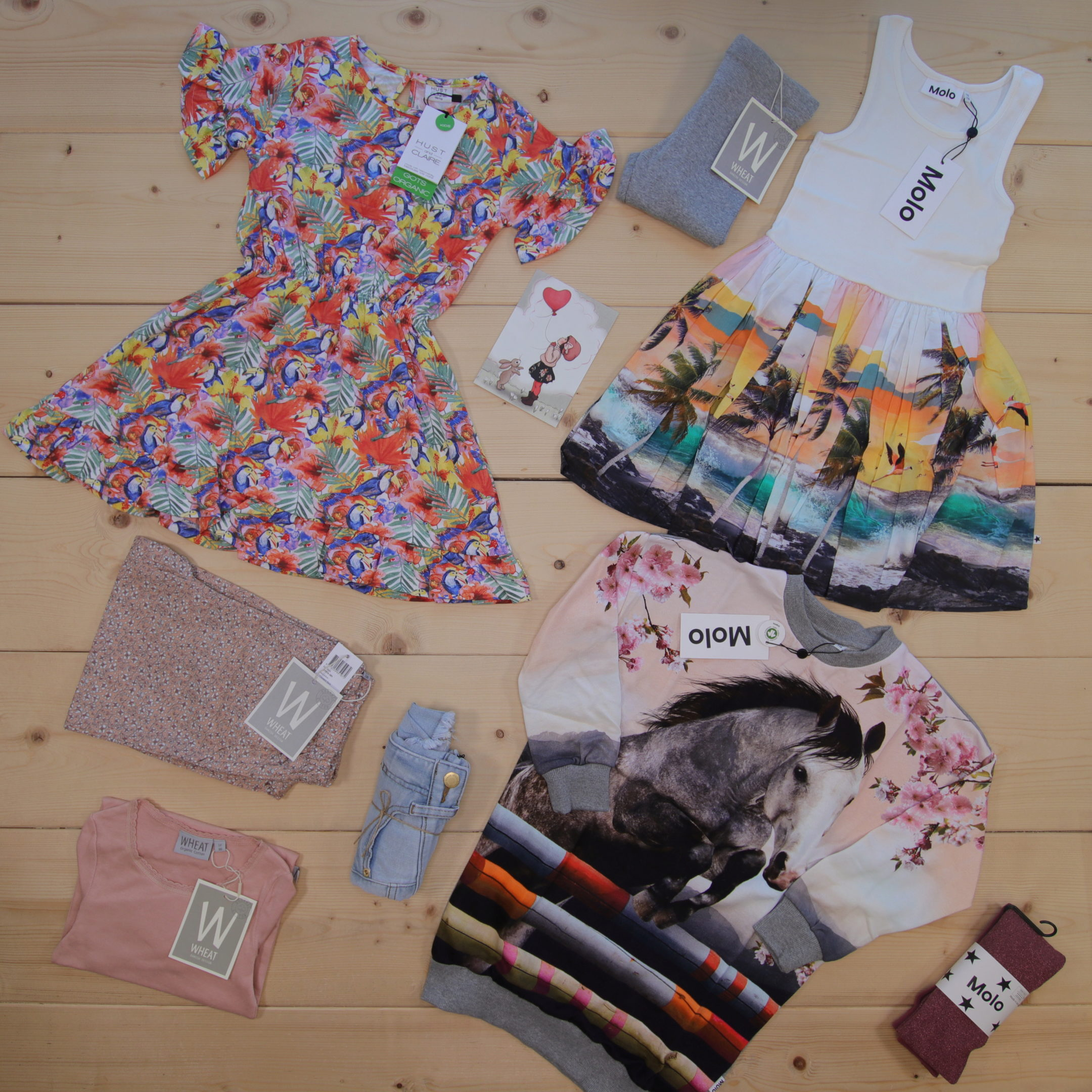 Dette er Småpakke som vi forberedte for en jente i stilene cute, cool, og colorful