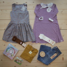 Summertime ☀️  Two lovely dresses with knee socks and one outfit for when a dress is just not right, and to finish it all off a nice set with nail polish from our new brand Souza 👗👖👚💅   #souza #wheat #gullkorndesign #condor #marmar #levis #belleandboo @souzaforkids @wheatdk @gullkorndesign @condormodainfantil @marmarcopenhagen @levis @belleandboo  This is a The Childish Stylist that we prepared for a girl in the styles colorful and cute in size 140.