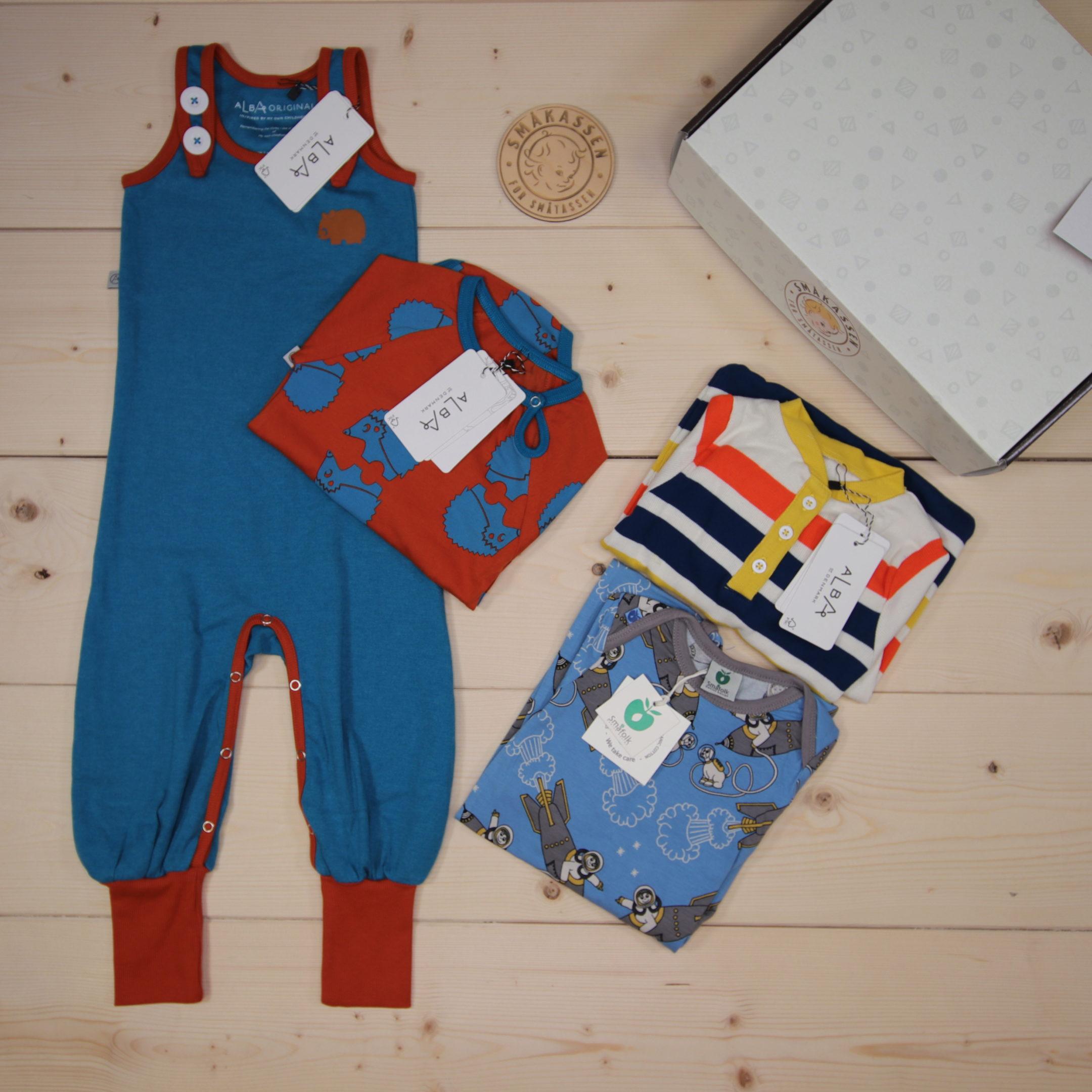 Dette er en 1100 NOK* The Childish Stylist som vi forberedte for en gutt i stilene cool og colorful i størrelse 86
