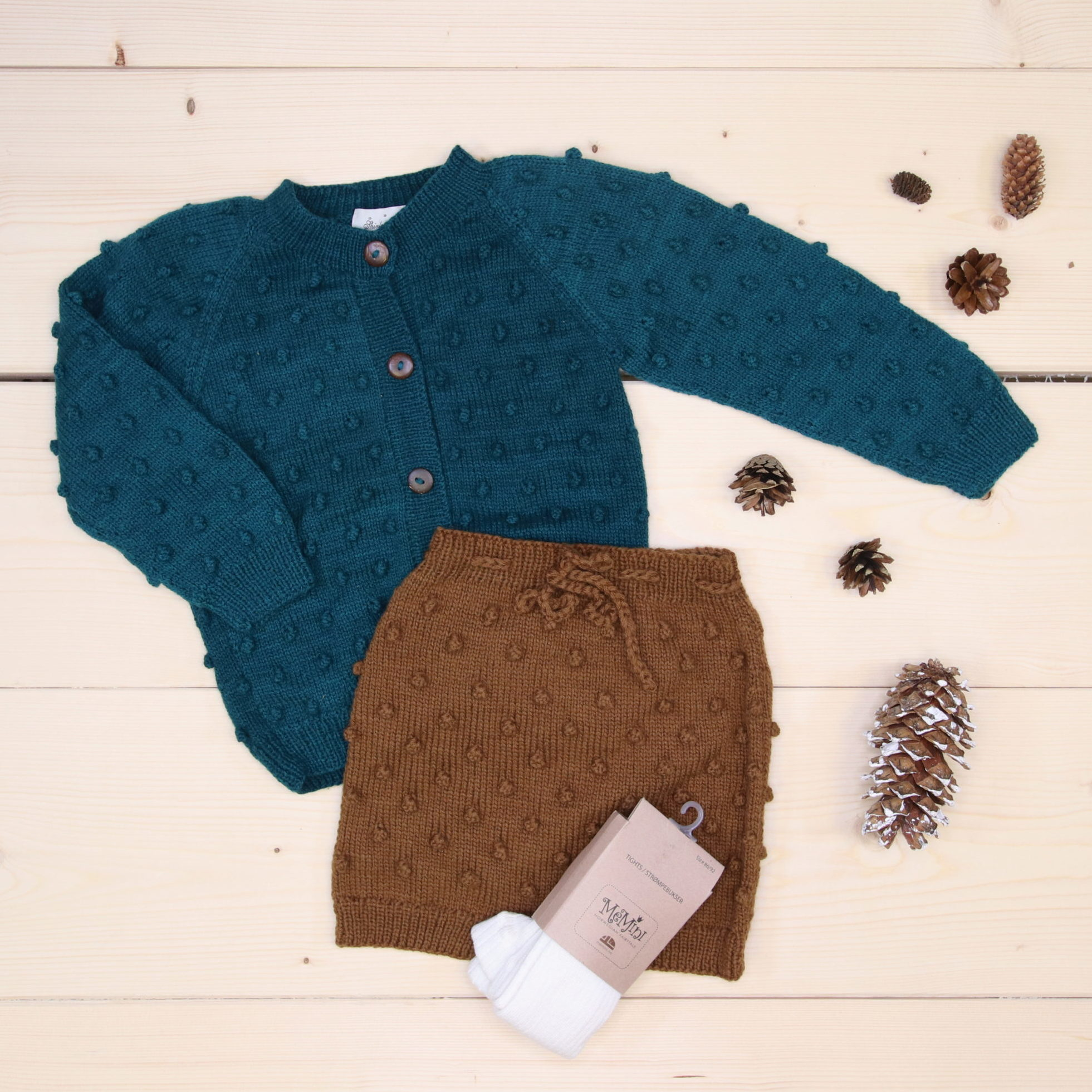 News from Shirley Bredal, Bubble cardigan and Bubble Shorts all made of wool, great for colder weather 🐑  @shirleybredal #shirleybredal  The color of the cardigan is more green than the picture shows.  Dette er Småpakke som vi forberedte for en gutt i stilen cute