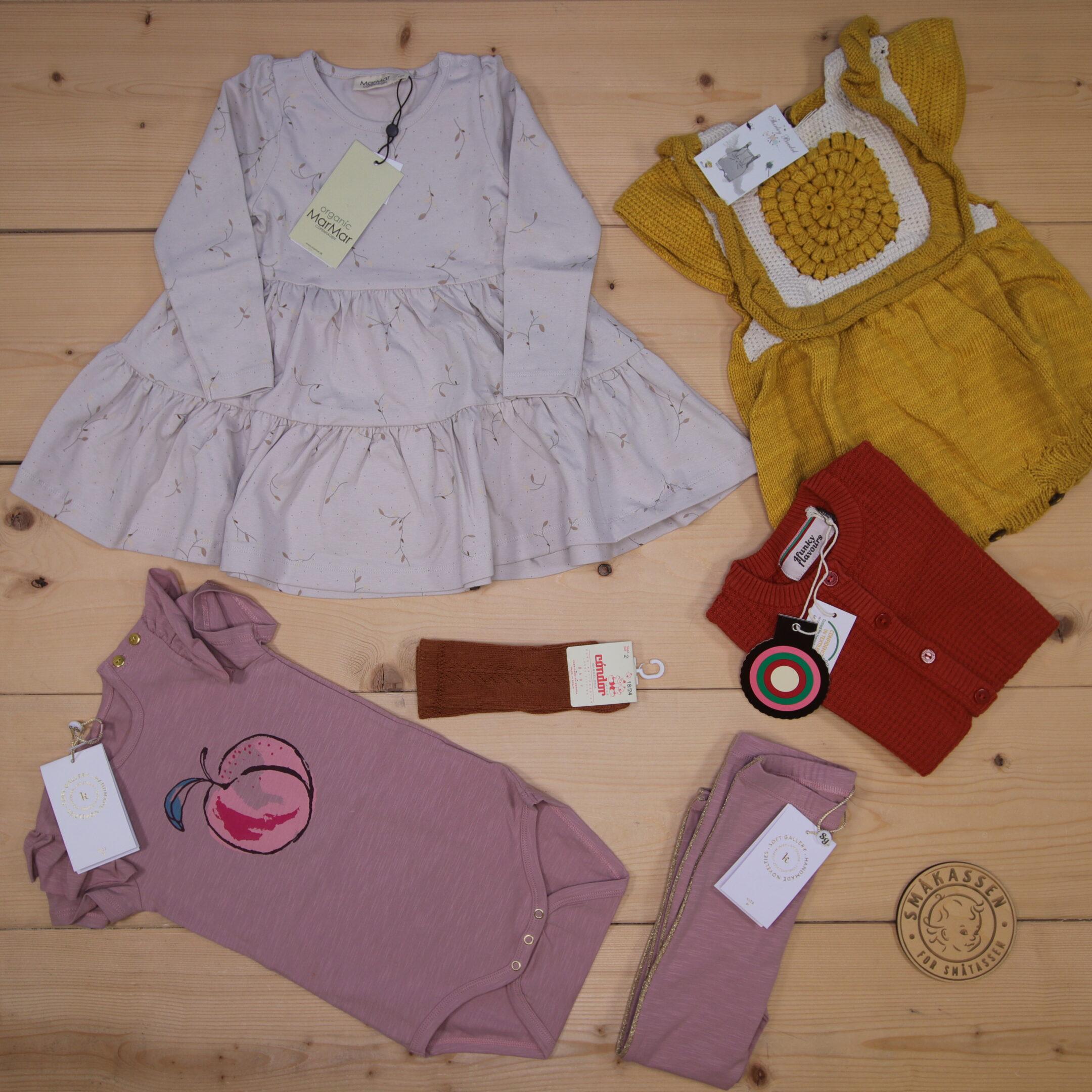 Dette er en 2000 NOK* The Childish Stylist som vi forberedte for en jente i stilene colorful og cute i størrelse 86