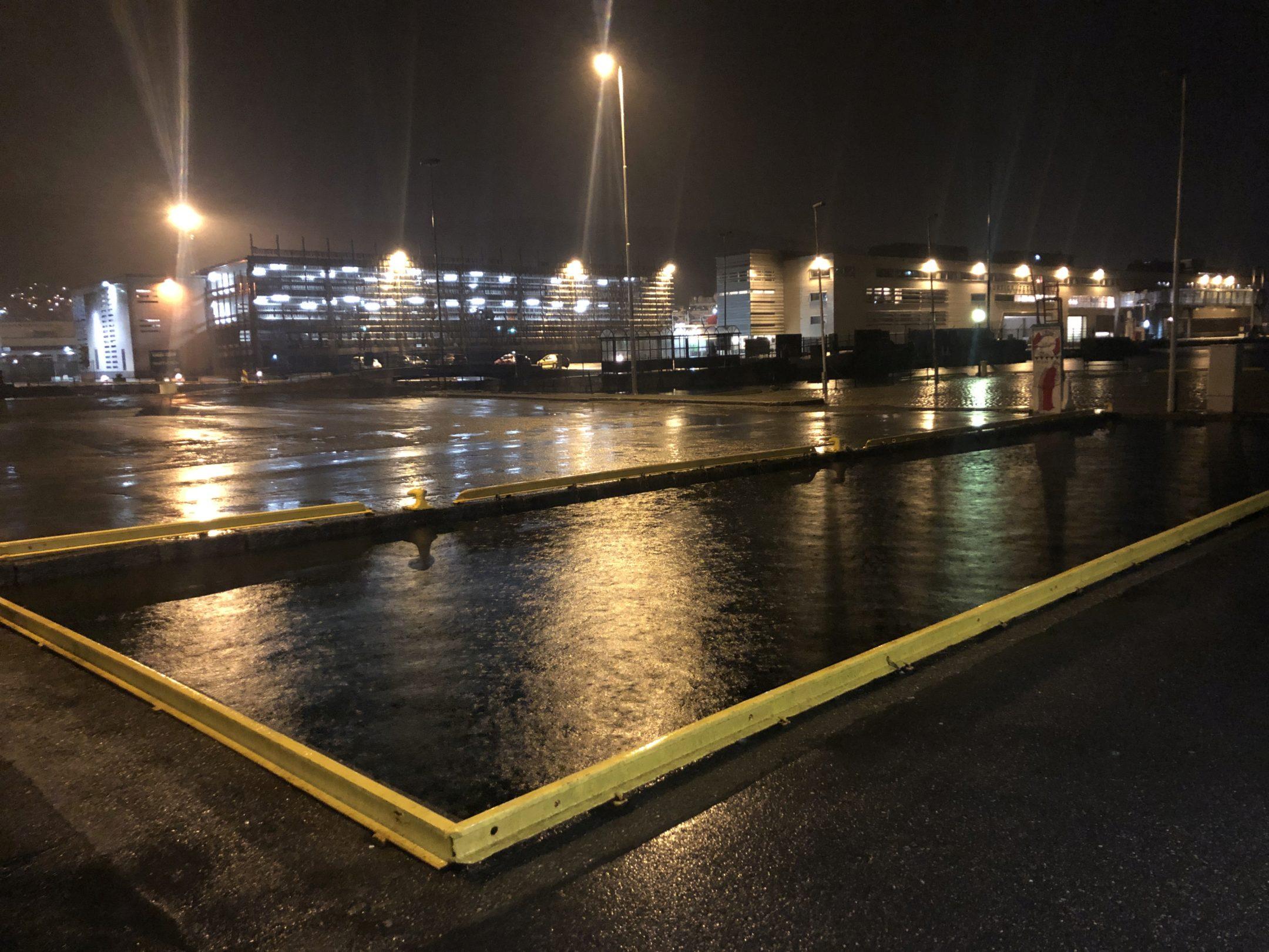 High water near Småkassen at 02:00