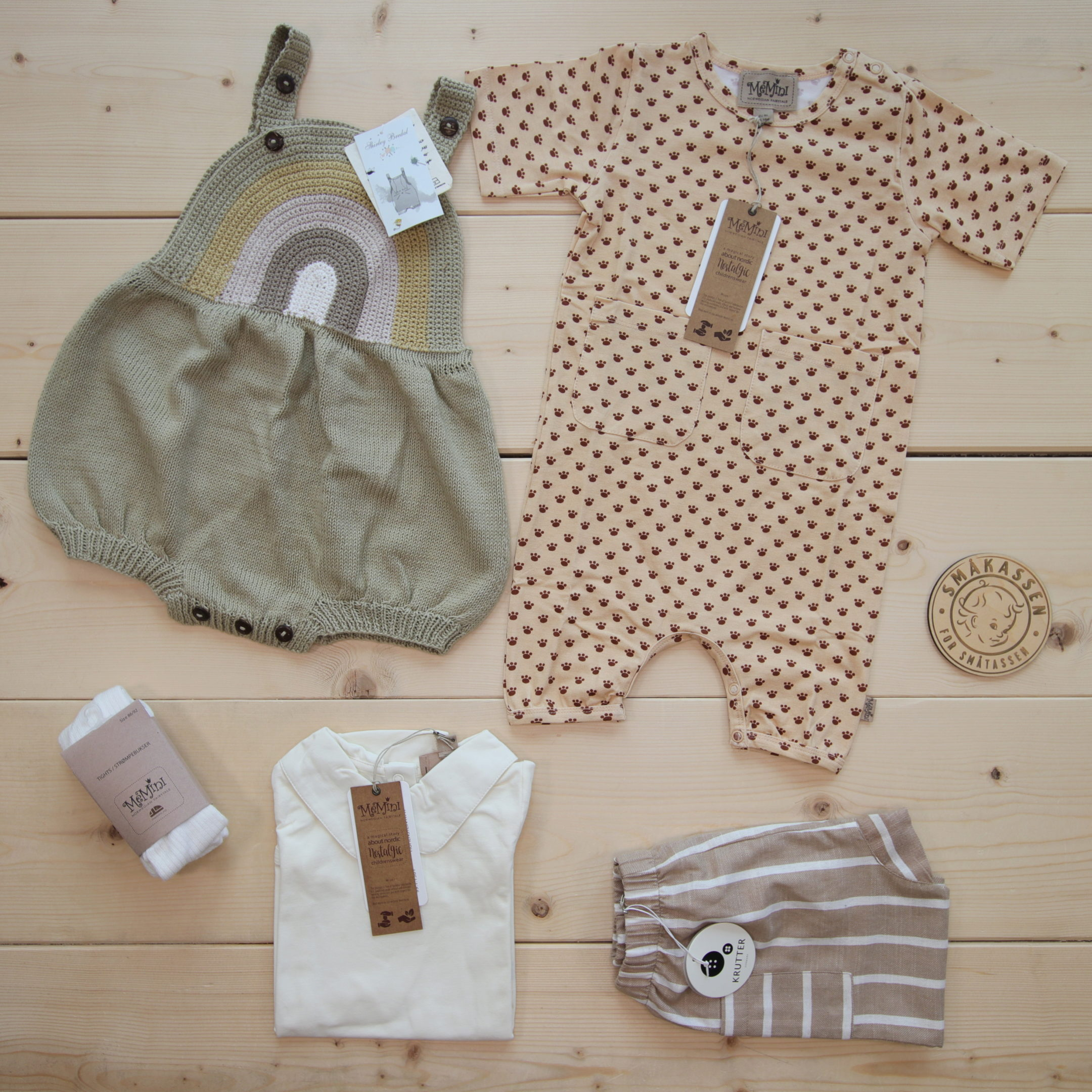 This is a 2000 NOK* Småkassen that we prepared for a boy  in the style cute in size 86