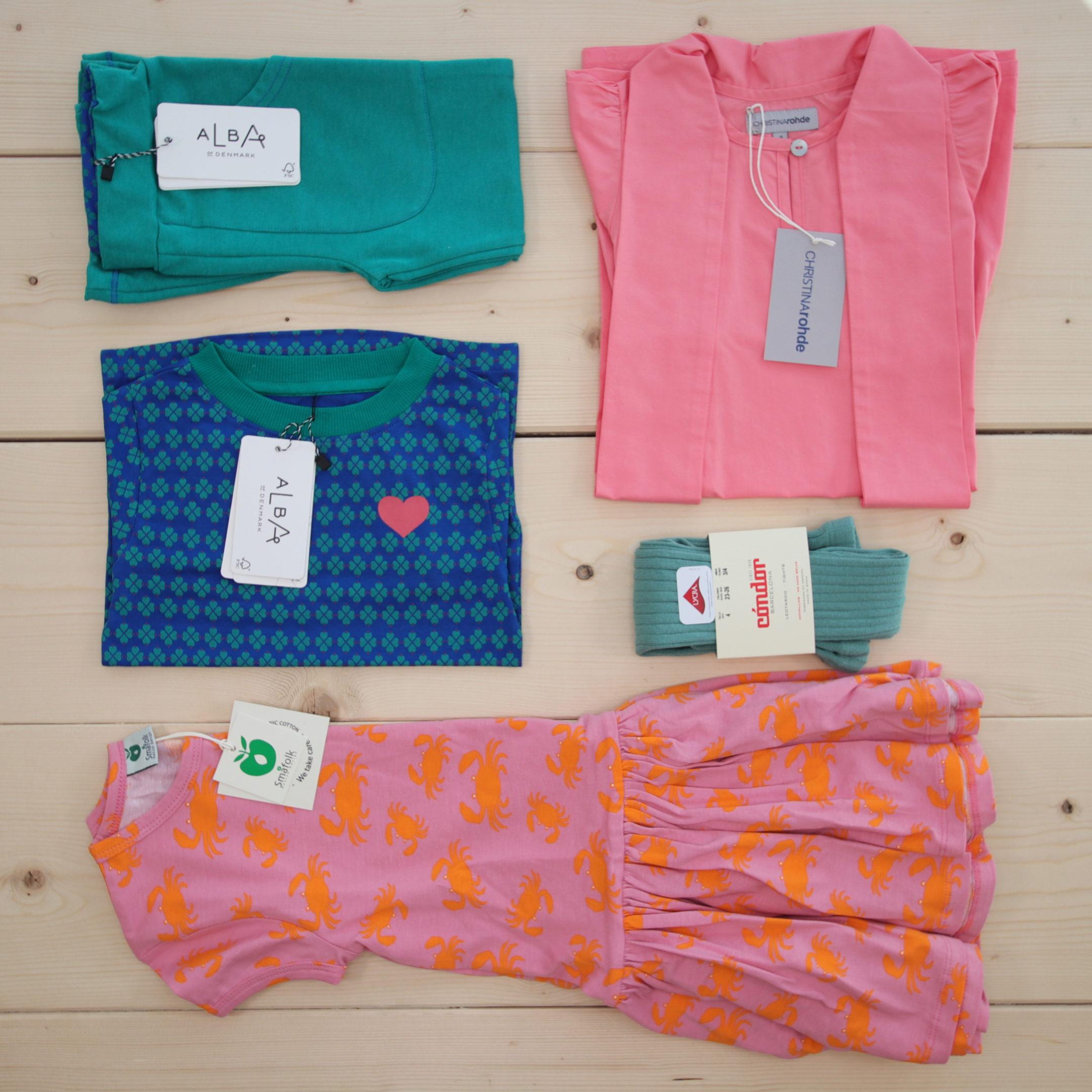 Dette er Småpakke som vi forberedte for en jente i stilene cool og colorful