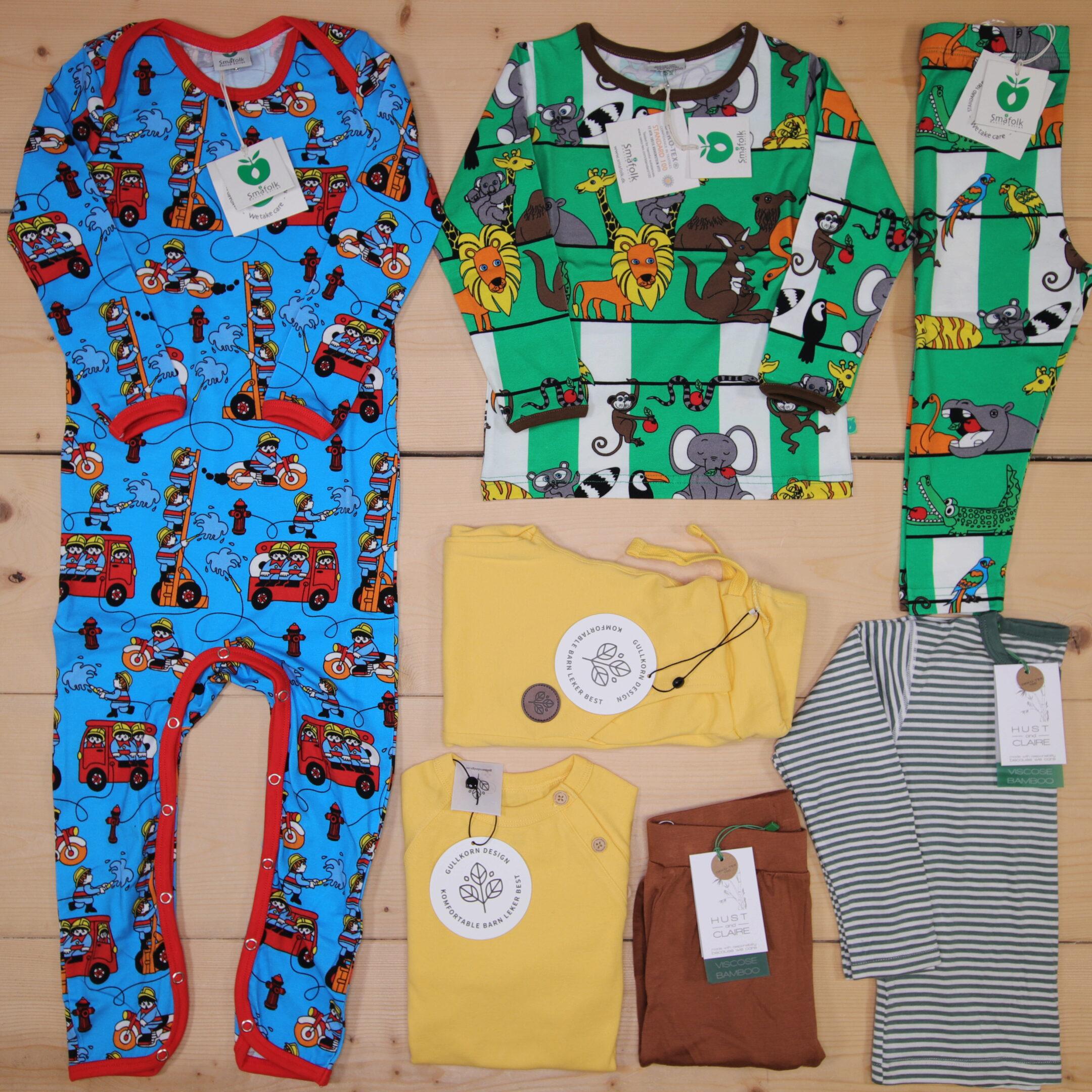 Dette er en 2000 NOK* The Childish Stylist som vi forberedte for en gutt i stilene cute, cool, og colorful i størrelse 86