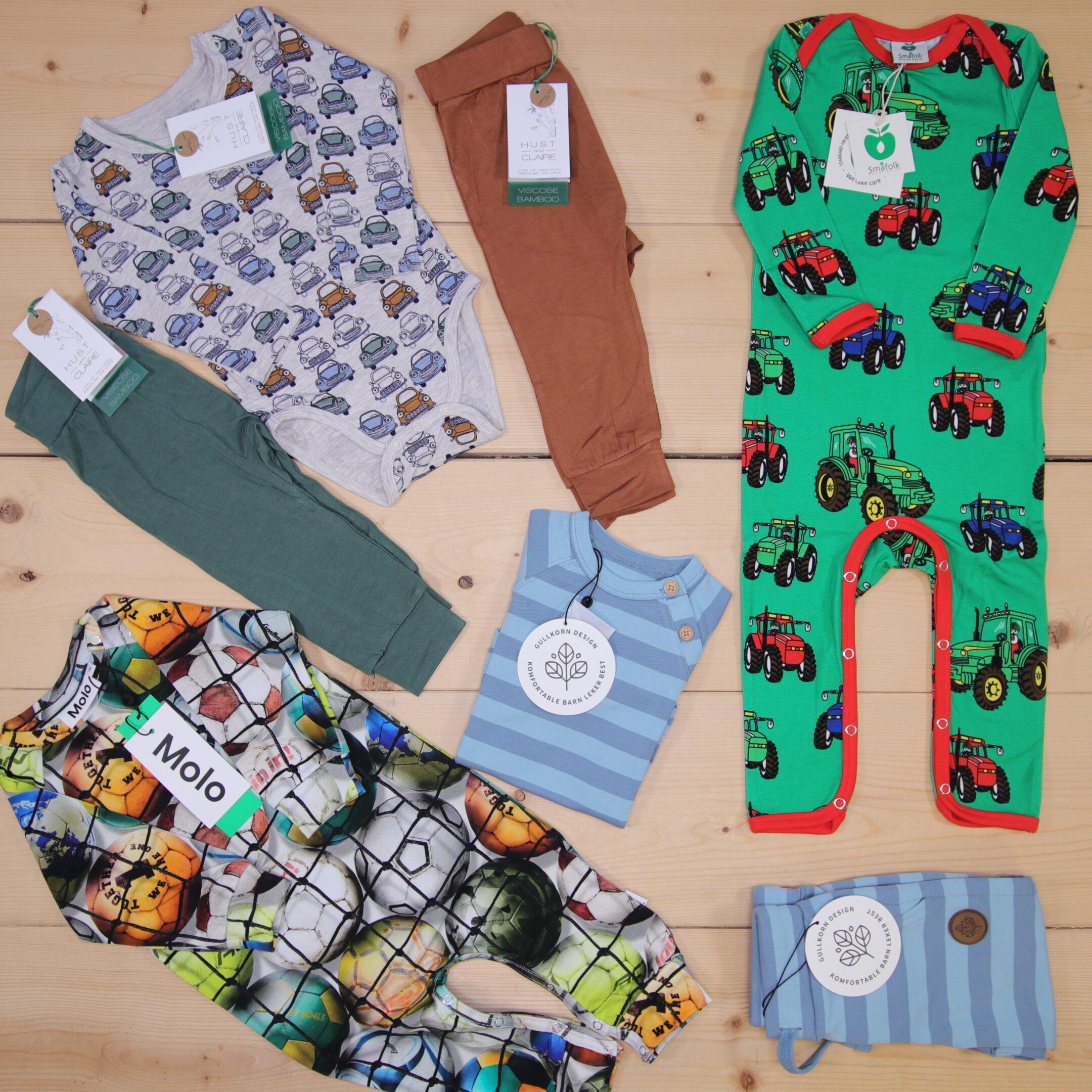 Dette er en 2000 NOK* The Childish Stylist som vi forberedte for en gutt i stilene cute, cool, og colorful i størrelse 74