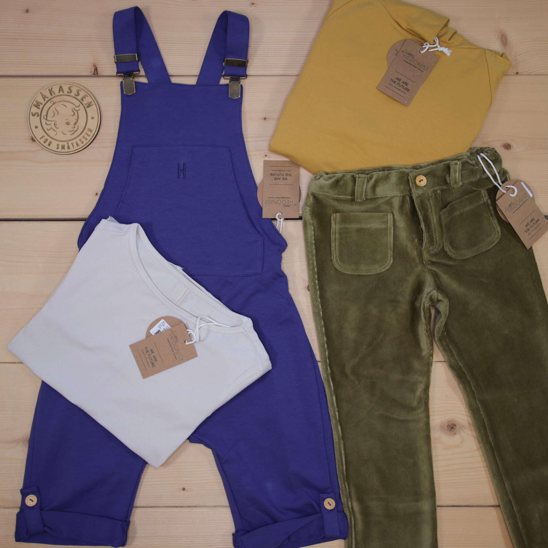 This is a 166 GBP* Småkassen that we prepared for a boy  in the style cool in size 122